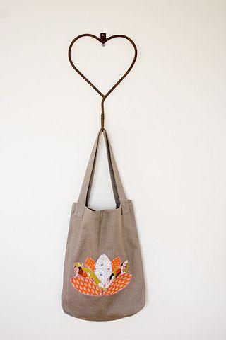 Lotus_Shoppers_Hanging2