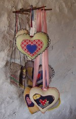 Hearts_on_a_string